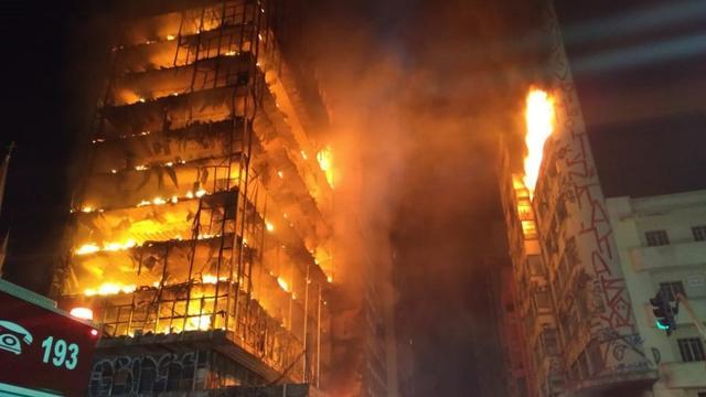 Flatgebouw in Braziliaanse stad São Paulo ingestort door brand