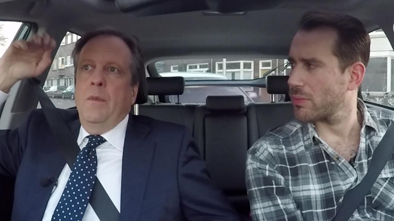 In de auto met Pechtold: 'Politici zijn BN'ers geworden'