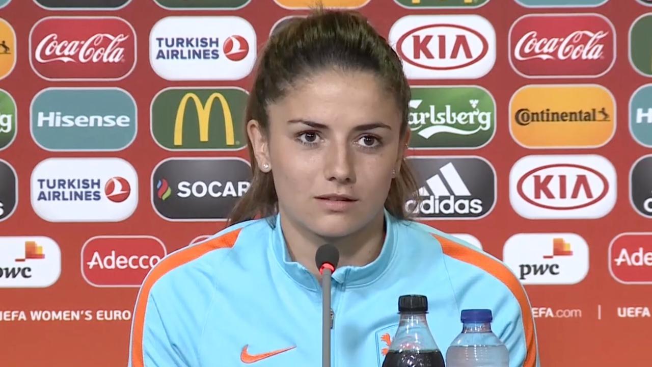 Video: Van de Donk kijkt uit naar confrontatie met teamgenotes Arsenal