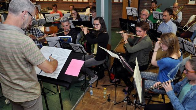 Harmonie NEO bereidt zich voor op theatershow
