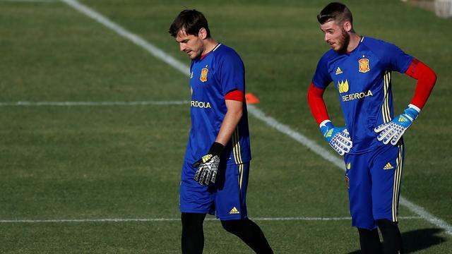 Del Bosque maakt nog geen keuze tussen De Gea en Casillas