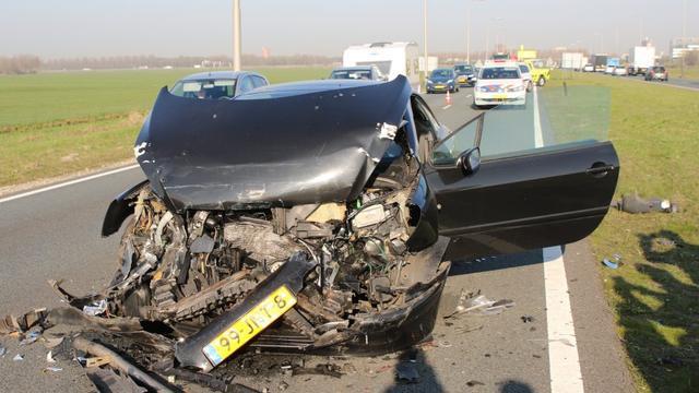 Veel schade bij kettingbotsing op N11 bij Zoeterwoude