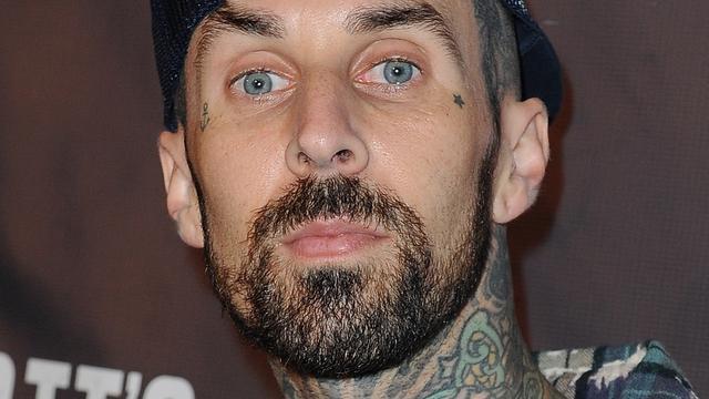 Blink 182-drummer Travis Barker raakte drugsverslaafd na vliegramp