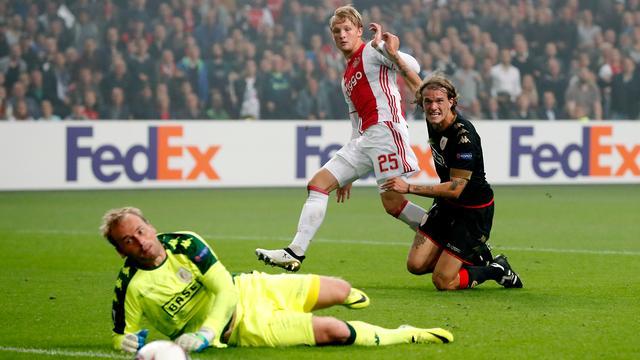 Ajax houdt door thuiszege op Standard maximale score in Europa League
