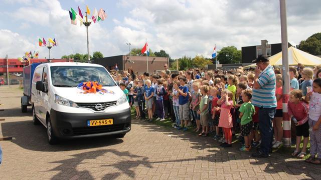 Nieuwe bus voor Stichting Jeugdland