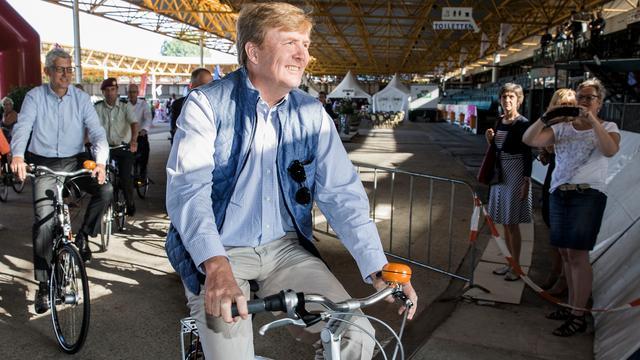 Koning fietst mee met fietsvierdaagse Drenthe