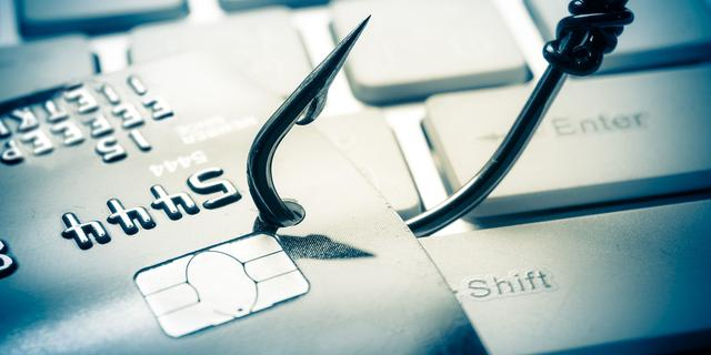 Politie toont beelden verdachte van phishing in omgeving Amsterdam