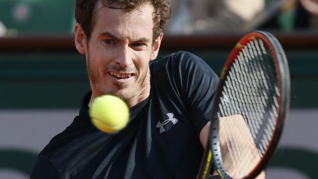 Murray en Sjarapova naar tweede ronde Roland Garros