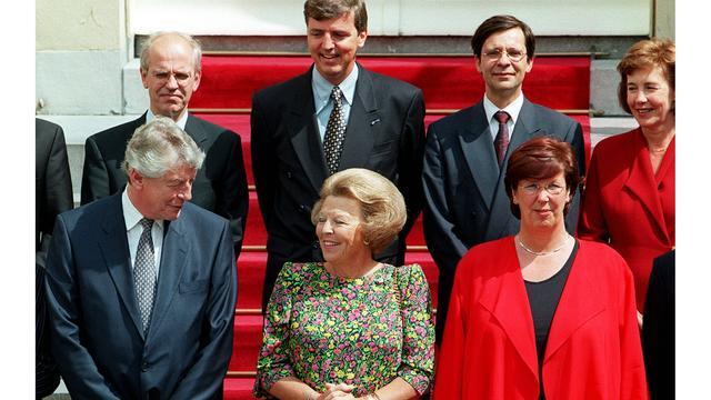Wim Kok in gesprek met koningin Beatrix op 3 augustus 1998.