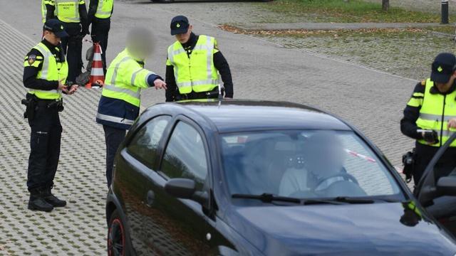Drie personen aangehouden bij controle in Alphen na rijden met drugs op