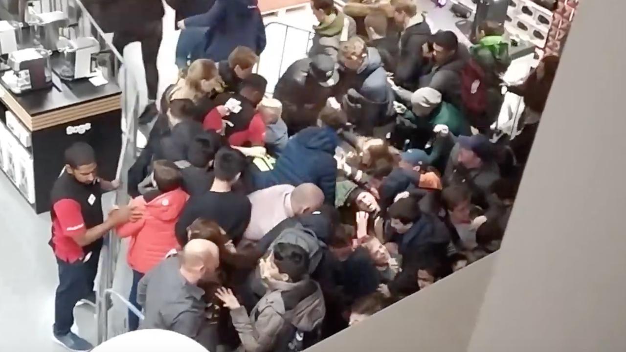 Grote chaos bij opening MediaMarkt in Leidschendam