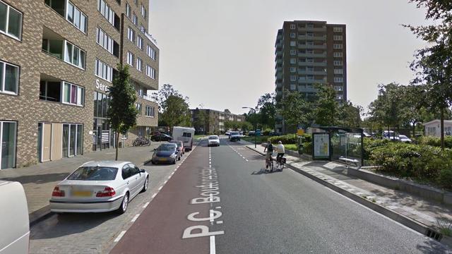 'Scooter brandt uit aan P.C. Boutensstraat in Haarlem'