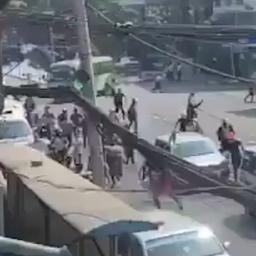 Video   Myanmarese politie opent vuur tijdens protest in Rangoon