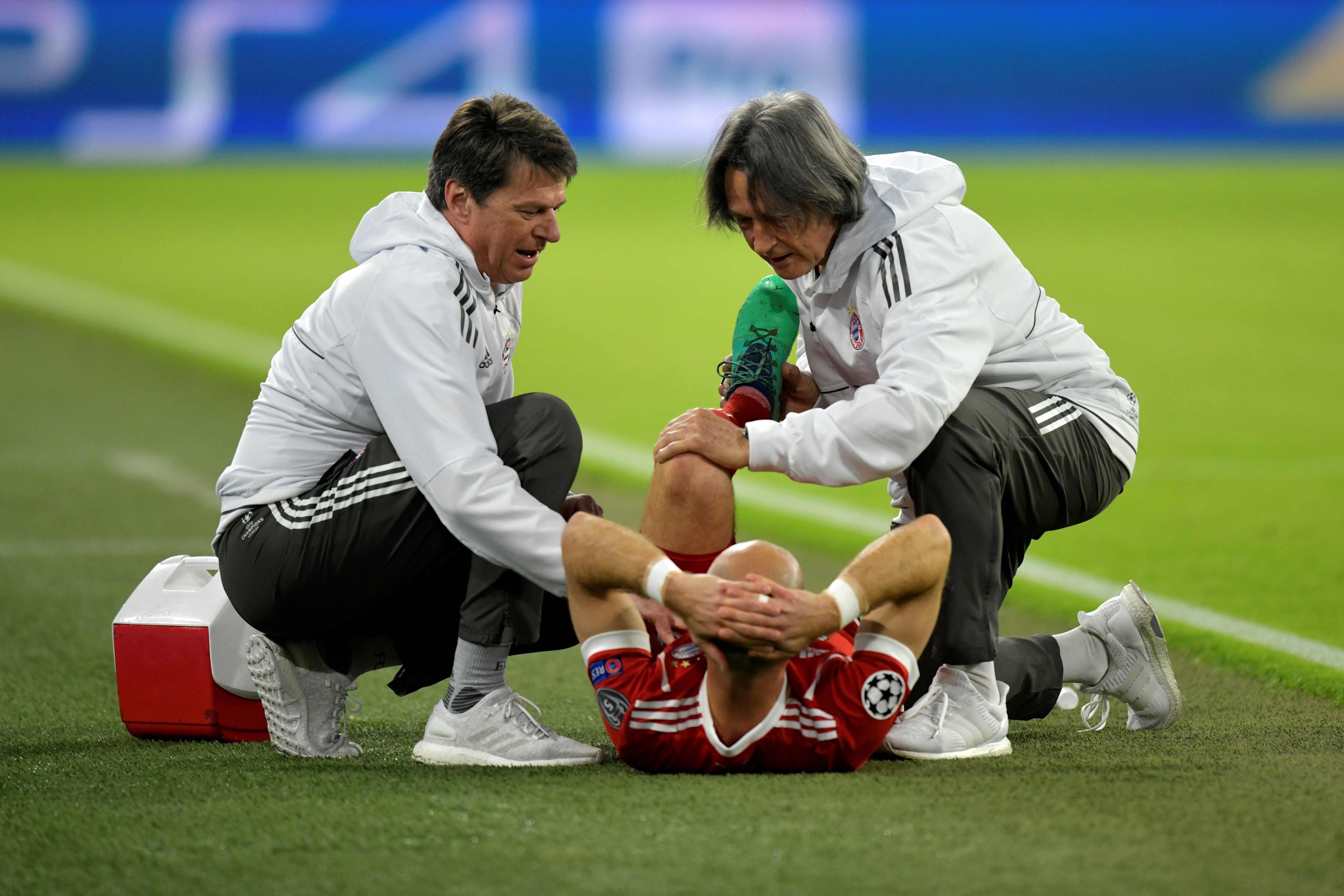 Robben houdt lichte spierblessure over aan duel met Real Madrid