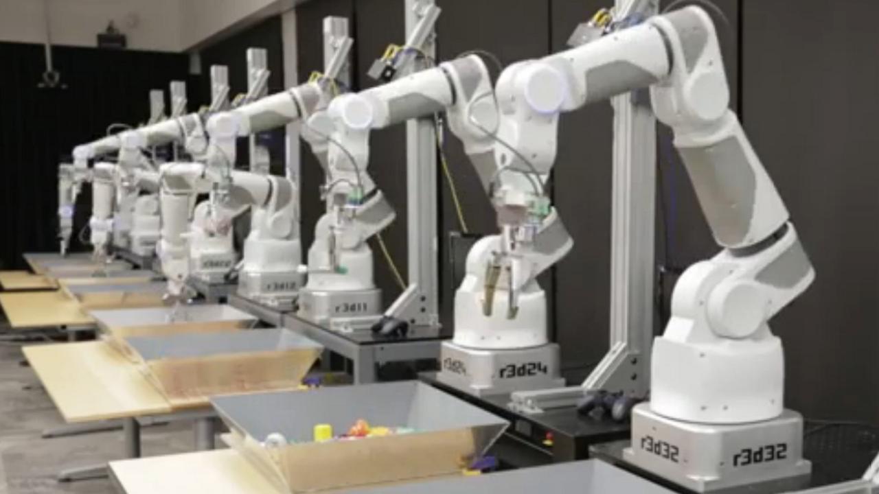 Google-robots leren zelf objecten te grijpen