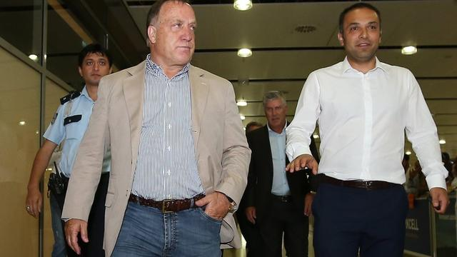 Trainer Advocaat arriveert in Istanbul voor Fenerbahçe