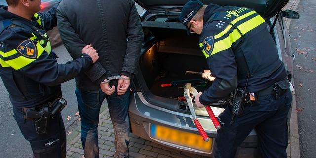 Politie schiet verdachte neer op de Chinese Tuin in Rotterdam-IJsselmonde
