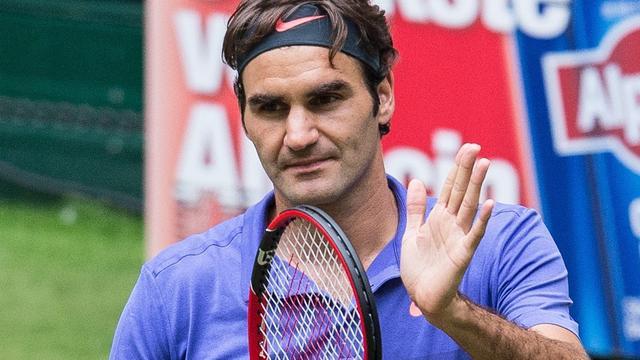 Federer bereikt halve finales in Halle, Murray verder op Queen's