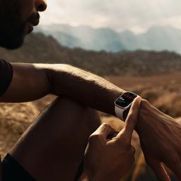 KPN van plan 4G-versie van nieuwe Apple Watch te ondersteunen