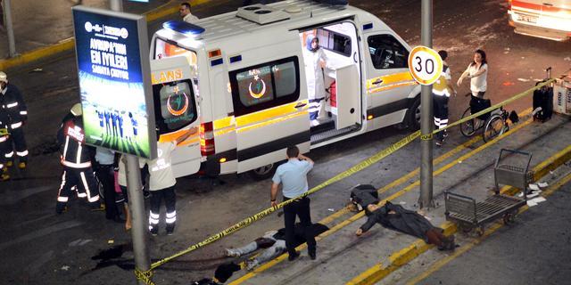 Turkije geeft zes personen levenslang voor aanslag op vliegveld Istanboel