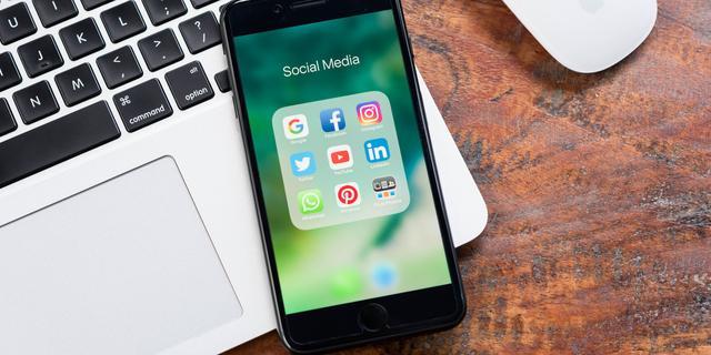 'Overheid kan nepnieuws op digitale platformen aanpakken'