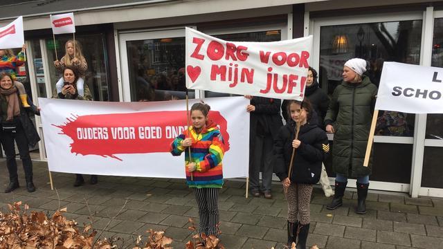 Ultimatum onderwijsbonden verloopt, landelijke staking leraren gaat door