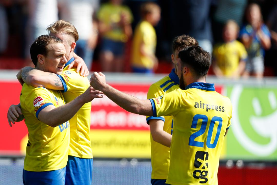 Cambuur And Nec Are Doing Good Business In The Hunt For Play Offs Roda Hard Teller Report