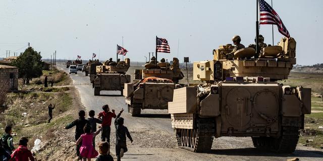 VS voert luchtaanvallen op Iraanse doelen in Syrië uit