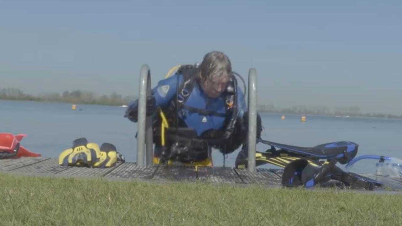 Ruud de Wild haalt duikbrevet voor programma onder water