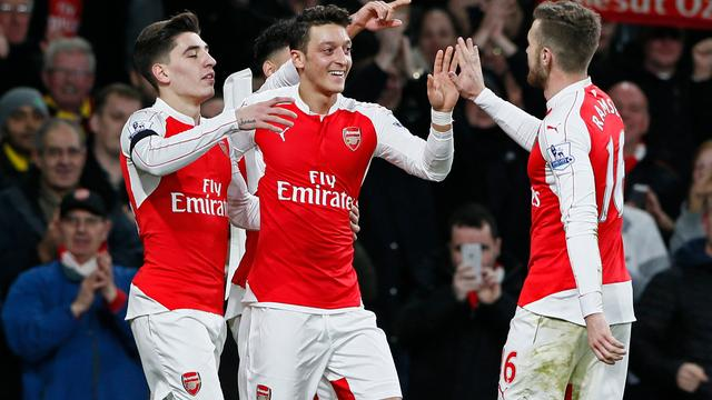 Arsenal aan kop in Premier League, Koeman verliest met Southampton