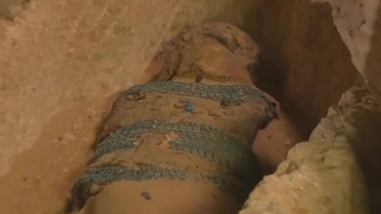 Archeologen ontdekken 2.500 jaar oude mummie in Caïro