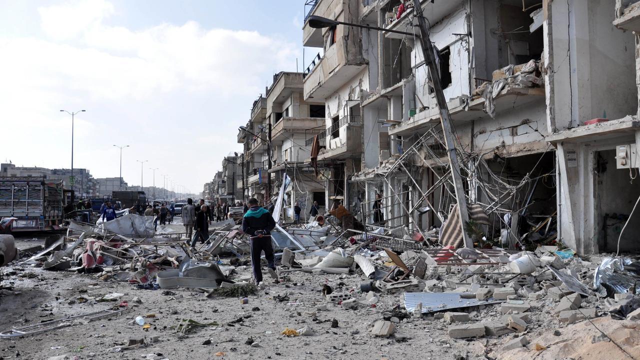 Beelden van kort na de dubbele bomaanslag Homs