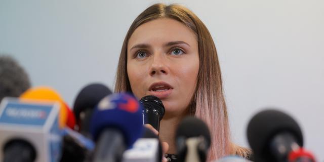 Coaches gevluchte Belarussische atlete verliezen accreditatie en verlaten Tokio