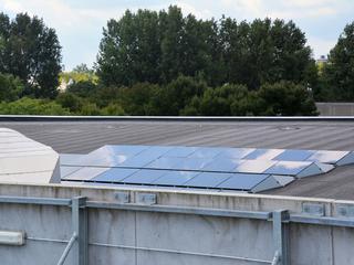 Bedrag bedoeld voor aanleg zonnepanelen en zonneveld bij Maximabrug