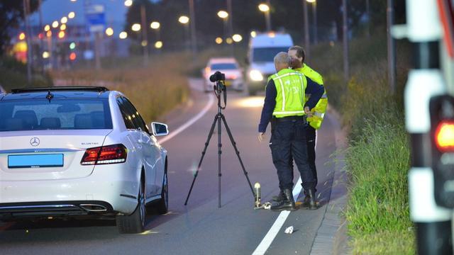 Fietser overleden na aanrijding met taxi op Westerparklaan