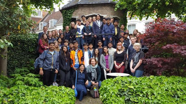 Indiase leerlingen brengen acht dagen in Middelburg door