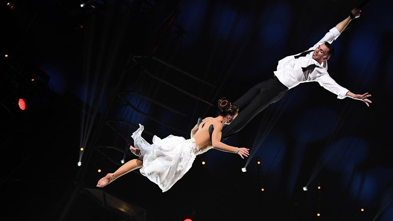 Gevallen acrobate kan benen weer bewegen na circusongeluk in Carré