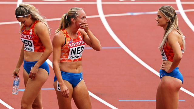 Verslagenheid estafettevrouwen groot na mislukte wissel op 4x400 meter