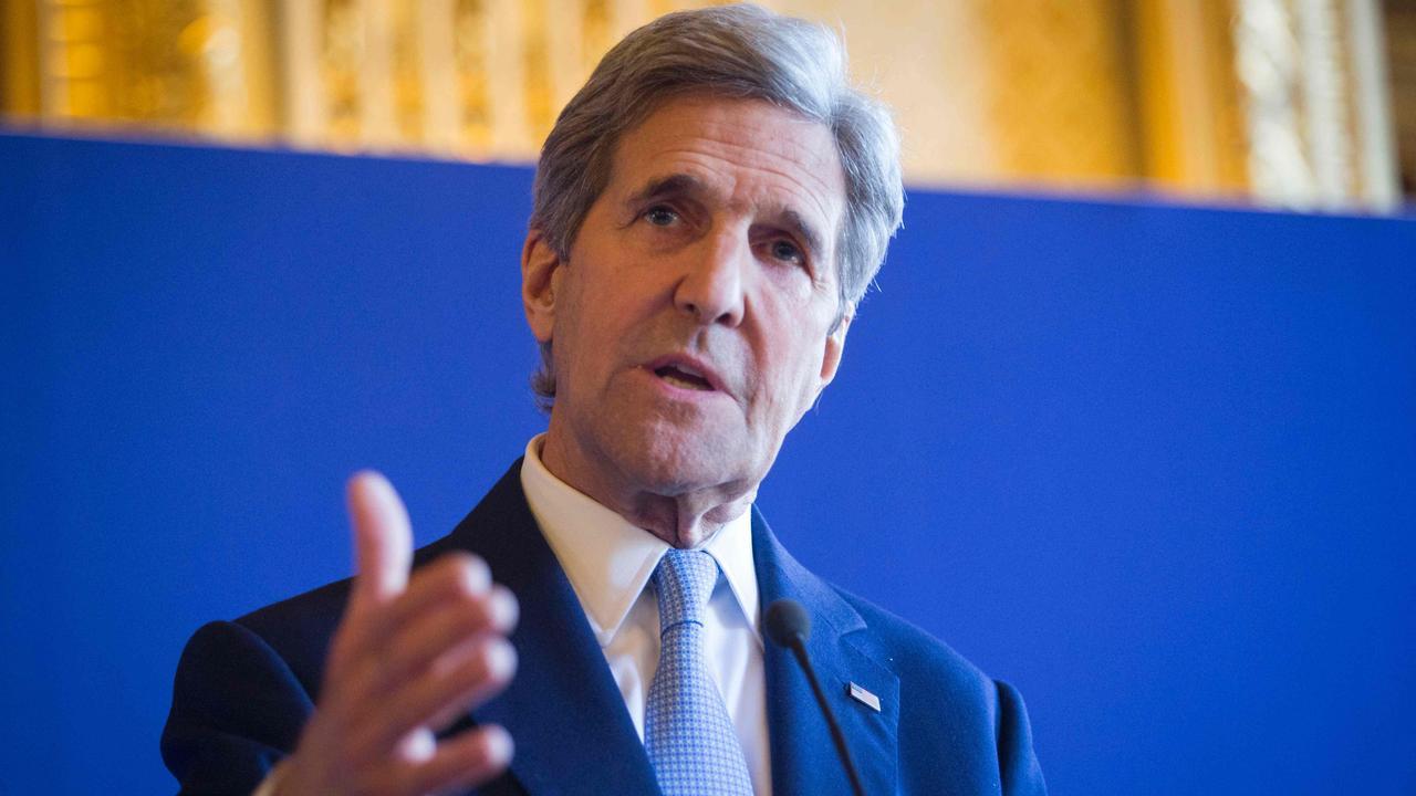 Kerry spreekt in Nederlands zijn steun uit aan slachtoffers
