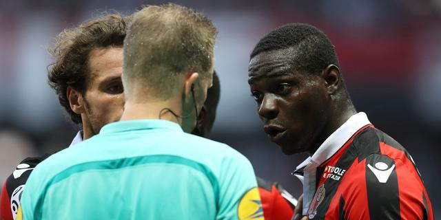 Balotelli ontloopt schorsing na controversiële rode kaart