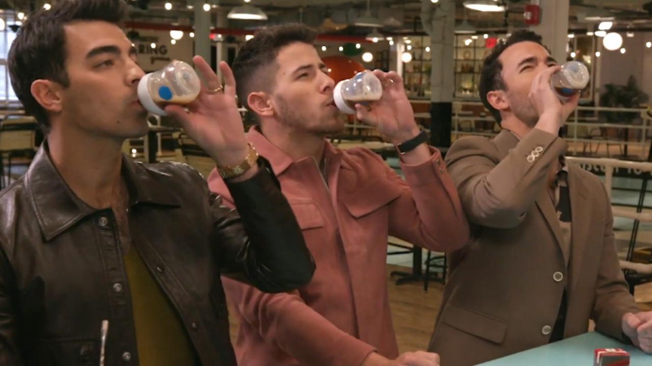 Jonas Brothers schrijven lied terwijl ze dronken worden
