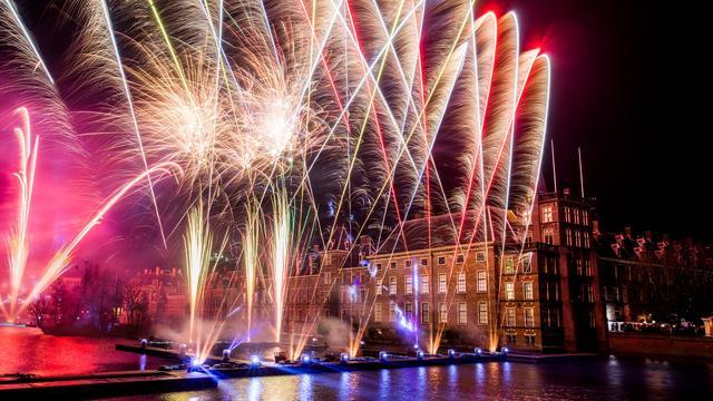 Inwoners van Den Haag verwelkomen 2019, incidenten in stad