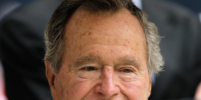 Amerikaanse oud-president George Bush (93) weer ontslagen uit ziekenhuis