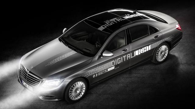 Mercedes experimenteert met nieuwe lichttechniek