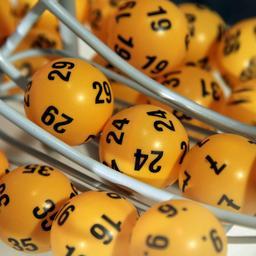 Onderzoek naar nationale loterij Zuid-Afrika na bizarre winnende lotnummers