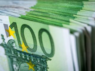 Ambtenaar met modaal salaris wordt maandelijks 23 euro duurder