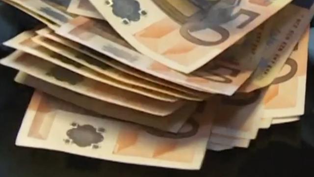 Rotterdammer op A4 aangehouden met 13.000 cash