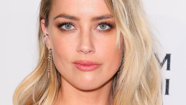 Amber Heard gaat door 'moeilijke en menselijke tijd' na breuk met Elon Musk
