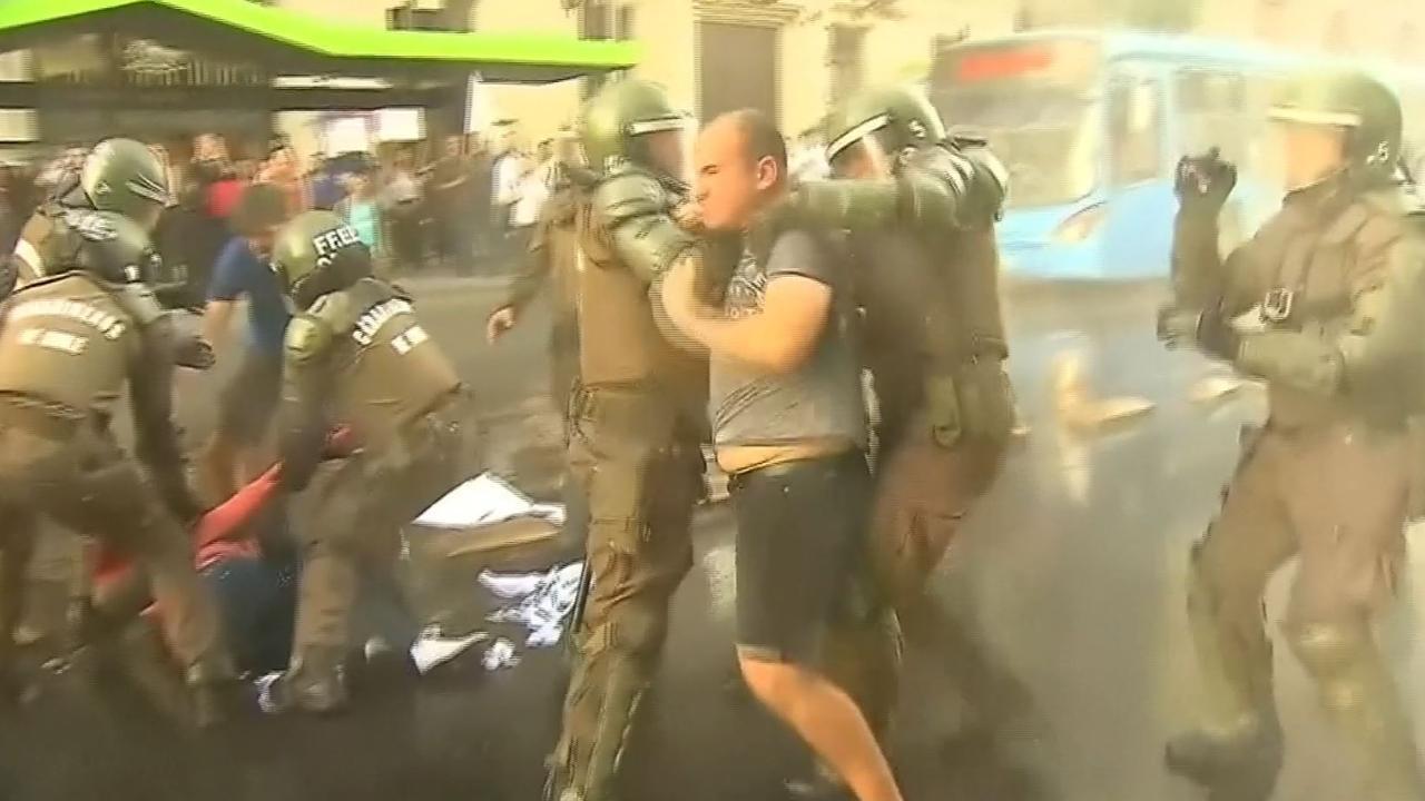 Studenten botsen met politie bij hevige protesten in Chili
