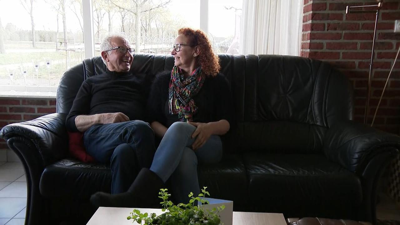 Jarige Boer Geert stelt Geertje aan familie voor